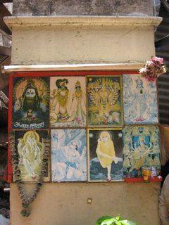 Makeshift shrine, Mumbai, India