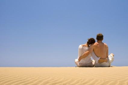 Couple Beach (425 x 282)