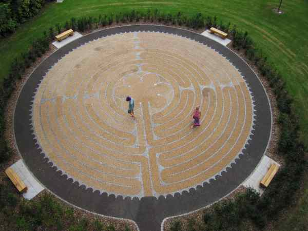 how to build a labyrinth garden