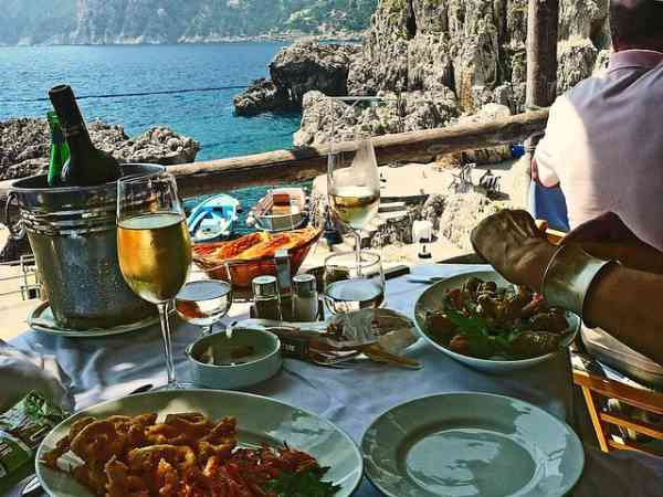 Post image for 6 European Seashore Lunches
